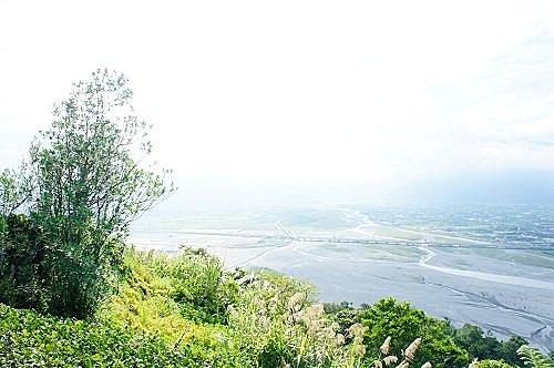 山與河水的能量